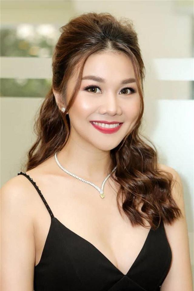 Những quý cô vàng mười của showbiz Việt: Đẹp người, đẹp nết ai cũng ưng - Ảnh 7.