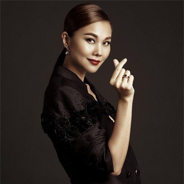 Những quý cô vàng mười của showbiz Việt: Đẹp người, đẹp nết ai cũng ưng - Ảnh 8.