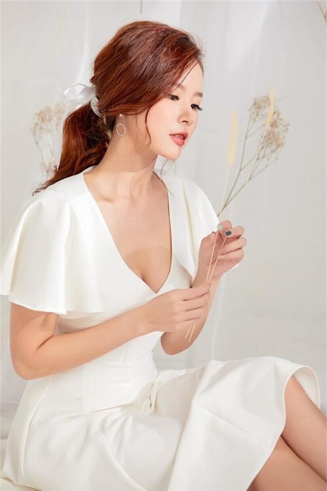 Những quý cô vàng mười của showbiz Việt: Đẹp người, đẹp nết ai cũng ưng - Ảnh 9.