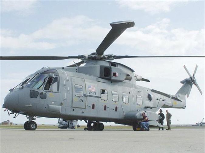 VH-71 Kestrel với giá 241 triệu USD là một biến thể của AgustaWestland AW101 do Lockheed Martin sản xuất. Trực thăng này thực hiện chuyến bay đầu tiên vào tháng 7/2007, nhưng do vượt quá chi phí vận hành và các vấn đề kỹ thuật mà chính phủ Mỹ yêu cầu VH-71 Kestrel phải điều chỉnh thêm. Tuy nhiên, tháng 6/2009, dự án này đã bị hủy bỏ sau khi tổng chi phí cho 28 chiếc trực thăng này tăng lên tới 13 tỷ USD. Tháng 6/2011, những chiếc trực thăng này đã được bán cho Canada với giá 164 triệu USD.