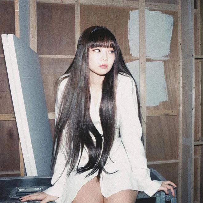 Jennie xinh như búp bê, sang chảnh hết cỡ
