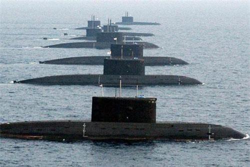 Đầu tuần này, tờ Economic Times công bố thông tin đặc biệt liên quan tới tình hình quân sự khu vực Đông Nam Á. Theo đó, Myanmar gần như đã đạt được thỏa thuận sau cùng với Ấn Độ về việc mua lại một tàu ngầm Kilo đã qua sử dụng. Nguồn ảnh: Wikipedia