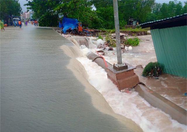 Ngày thứ 8 Phú Quốc ngập lụt: Lũ rút dần, tiếp tục sơ tán dân - 10