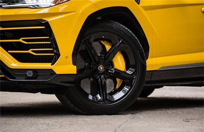 Dai gia Dang Le Nguyen Vu tau Lamborghini Urus 22 ty dong-Hinh-5