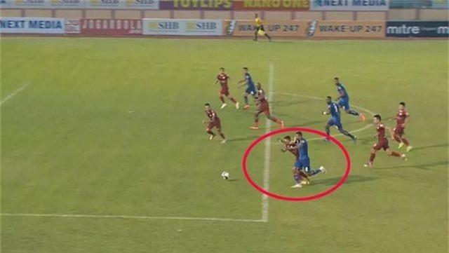 HLV Chung Hae Seong cay đắng trước thực trạng tại V-League - 2