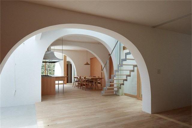 Ngôi nhà có thiết kế mái vòm độc lạ làm sáng bừng cả khu phố - Ảnh 6.
