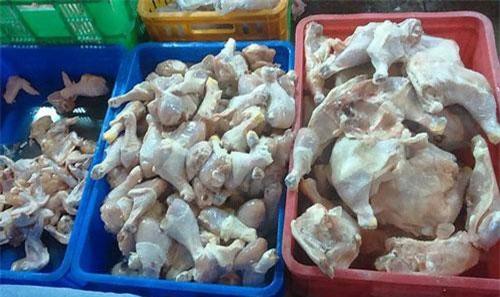 Thịt gà đông lạnh được nhập từ Mỹ về Việt Nam. Ảnh minh hoạ.