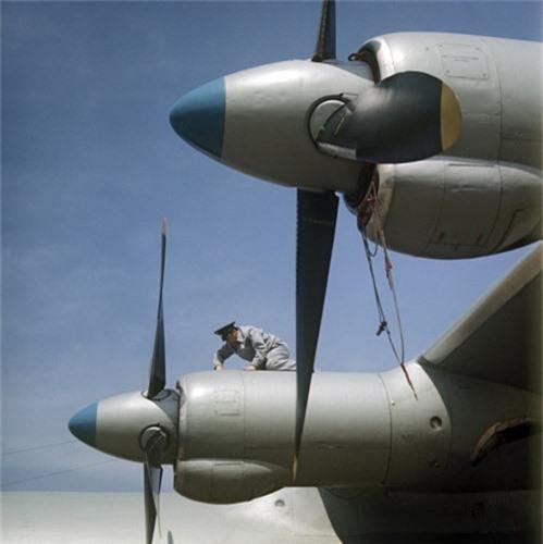 C-130 con chua loi thoi, An-12 da som ve vuon: Lien Xo kem My!-Hinh-12