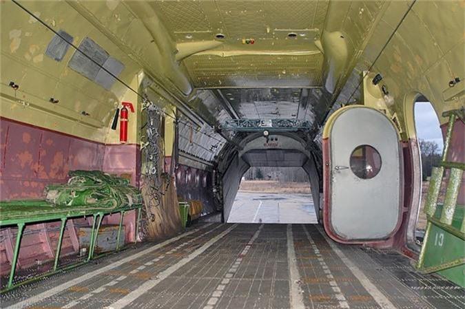 C-130 con chua loi thoi, An-12 da som ve vuon: Lien Xo kem My!-Hinh-7