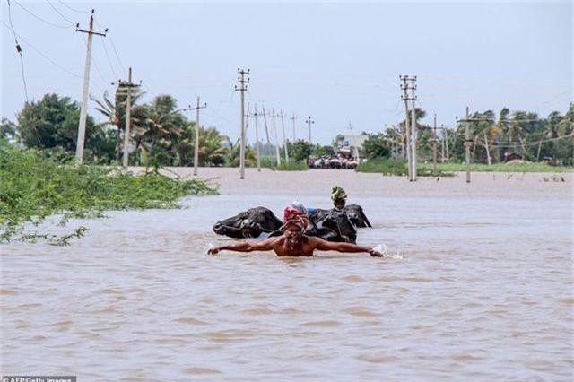 Lũ kinh hoàng khiến 152 người thiệt mạng ở Ấn Độ - 11