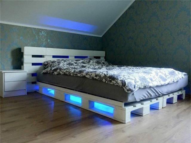 Để giữ lại nguyên vẹn dư vị gần gũi, bình dị, những thiết kế trong phòng ngủ cần tiết chế không sử dụng quá nhiều phụ kiện trang trí.