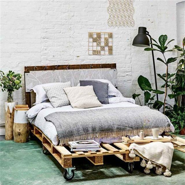 Trắng, be, xám sáng…đều là những gam màu tuyệt vời để phối hợp với kiểu giường này.