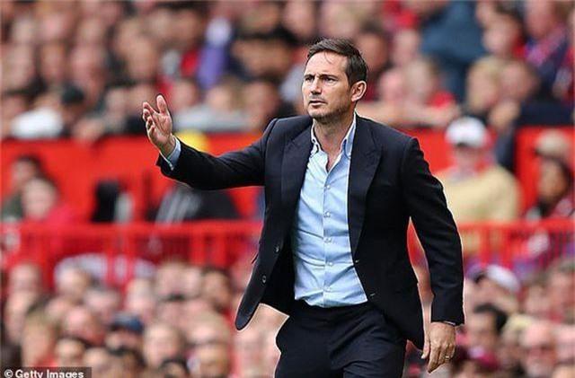 """""""Cú tát mạnh"""" từ MU đã khiến HLV Lampard """"tỉnh"""" hơn? - 4"""