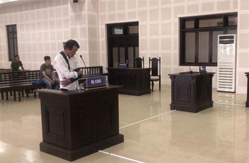 Ngô Ngọc Song tại tòa.