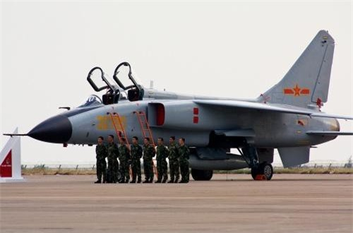 Cũng theo các vị chuyên gia, việc JH-7A II được điều động tham gia cuộc thi Aviadarts cho thấy dòng máy bay tiêm kích - bom này đã hoàn thiện về mặt kỹ thuật, sẵn sàng cho nhiệm vụ chiến đấu. Nguồn ảnh: Airliners.net