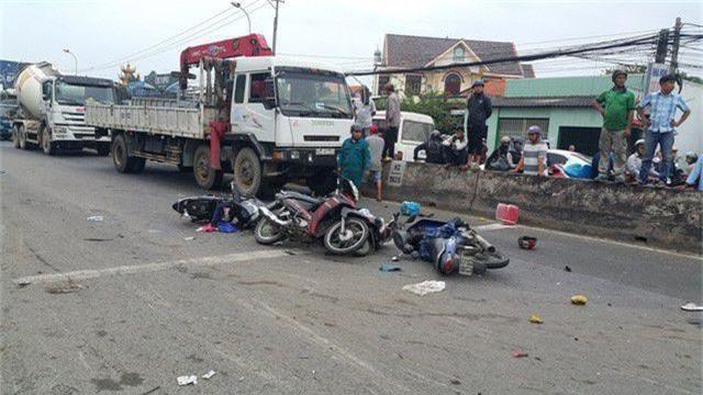 Truy tố tài xế container tông hàng loạt xe máy chờ đèn đỏ làm chết 4 người - 2
