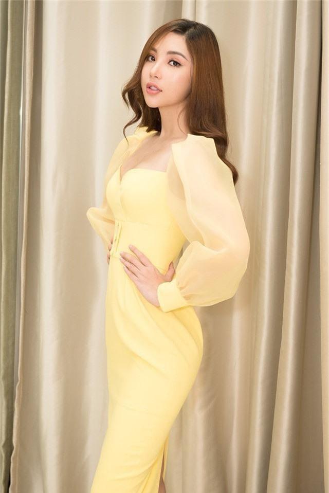 Sắp lên đường thi Hoa hậu, Mỹ Huyền chọn đụng đầm với HHen Niê, Hương Giang - Ảnh 5.