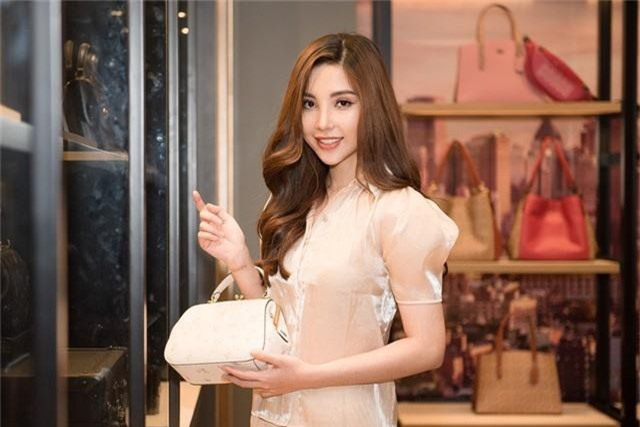 Sắp lên đường thi Hoa hậu, Mỹ Huyền chọn đụng đầm với HHen Niê, Hương Giang - Ảnh 6.