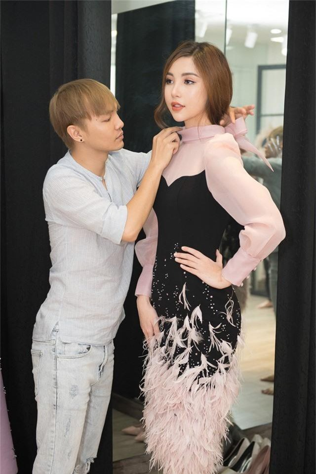 Sắp lên đường thi Hoa hậu, Mỹ Huyền chọn đụng đầm với HHen Niê, Hương Giang - Ảnh 8.