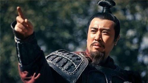 Tại sao sau khi Quan Vũ chết, Lưu Bị chỉ xử tội chết Lưu Phong mà không truy cứu Mã Siêu - Ảnh 1