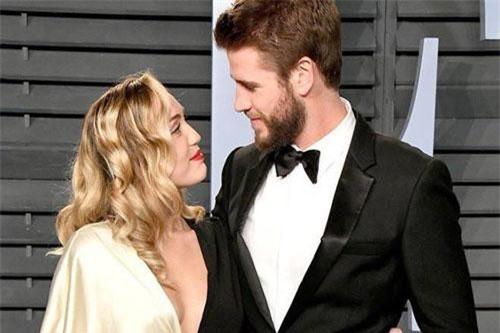 Miley Cyrus và Liam Hemsworth