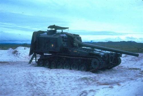 Pháo tự hành nòng dài M53 cỡ 155 mm. Ảnh: War History Online.