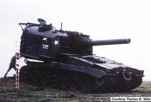 Pháo tự hành nòng ngắn M55 cỡ 203 mm. Ảnh: War History Online.