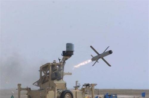 """Điểm mạnh của dòng tên lửa này là khả năng """"bắn và quên"""" (ngay sau khi khai hỏa, xạ thủ có thể thoát ly và đạn tên lửa sẽ tự dẫn tới mục tiêu) kết hợp với các thiết bị dẫn bắn thông minh. Nguồn ảnh: Wikipedia"""