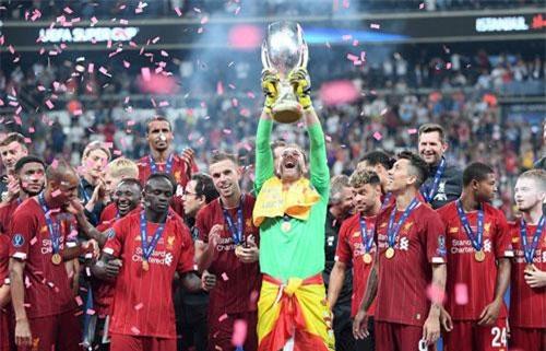 Liverpool lần thứ tư lên ngôi ở Siêu cup châu Âu.