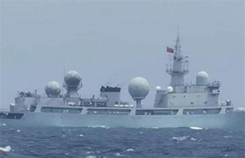 Một tàu chiến Trung Quốc được cho đi vào lãnh hải Philippines (Ảnh: ực lượng vũ trang vùng Tây Mindanao)