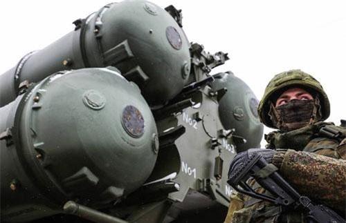 Tổ hợp tên lửa S-400 trong biên chế quân đội Nga. Ảnh: Tass.
