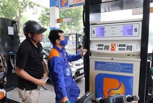 Đoàn giám sát của Uỷ ban Thường vụ Quốc hội đề nghị cơ quan có thẩm quyền bãi bỏ ngay 6 quỹ, trong đó có Quỹ Bình ổn giá xăng dầu...