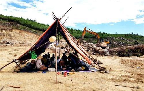 Người dân dựng lều phản đối nhà máy đốt rác Đại Nghĩa