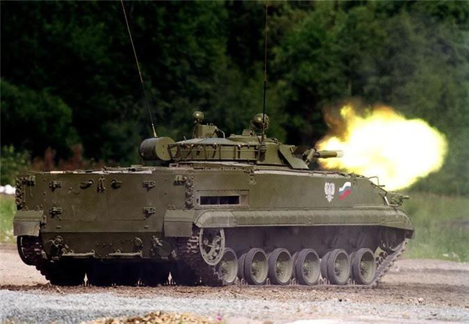 Xe chiến đấu bộ binh BMP-3 khai hỏa pháo 100mm.