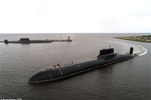 Tàu ngầm Dmitriy Donskoi.