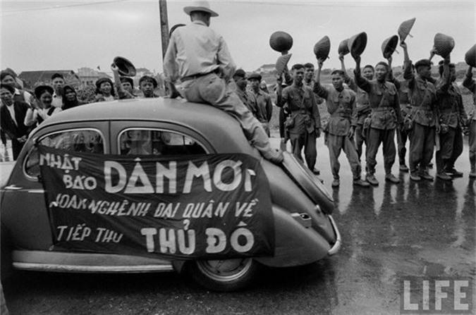 Anh doc: Ha Noi vui nhu hoi ngay giai phong 10/10/1954-Hinh-12
