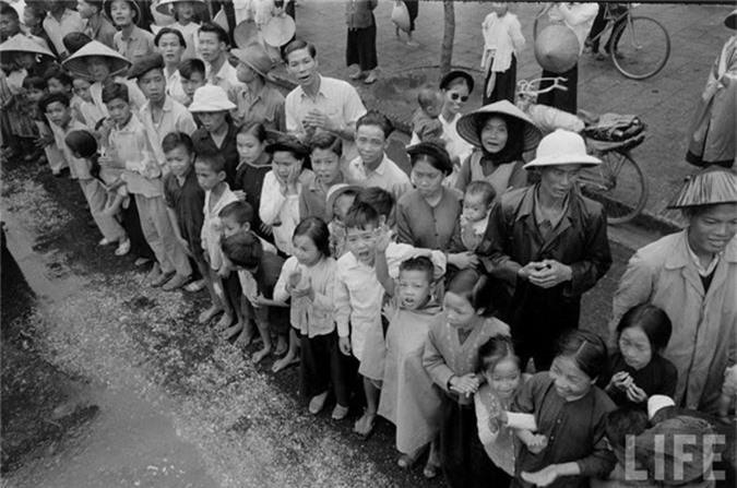 Anh doc: Ha Noi vui nhu hoi ngay giai phong 10/10/1954-Hinh-13