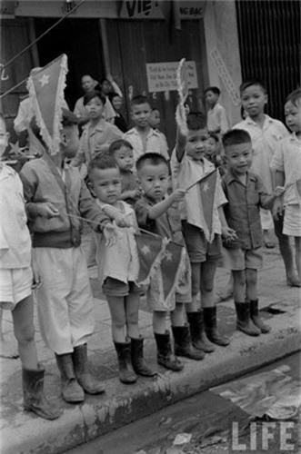 Anh doc: Ha Noi vui nhu hoi ngay giai phong 10/10/1954-Hinh-7