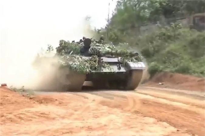 Cuc hiem canh xe tang T-62 Viet Nam dien tap hiep dong-Hinh-2