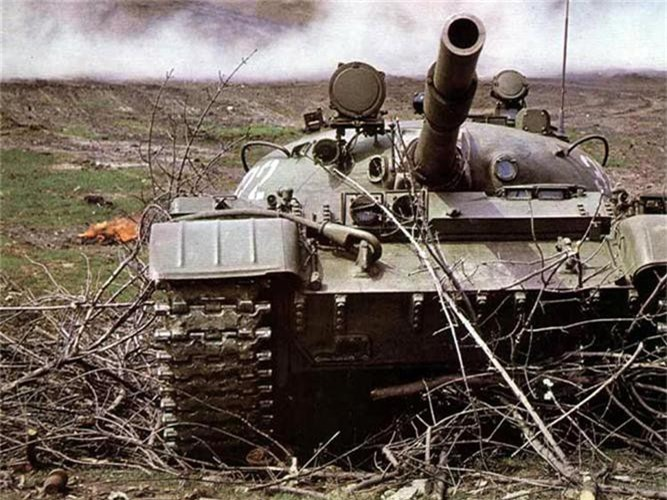 Cuc hiem canh xe tang T-62 Viet Nam dien tap hiep dong-Hinh-8