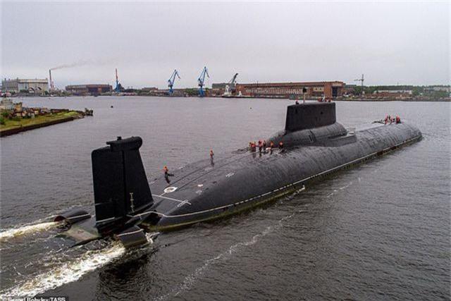 Cuộc sống nhà binh bên trong tàu ngầm lớn nhất thế giới của Nga - 13