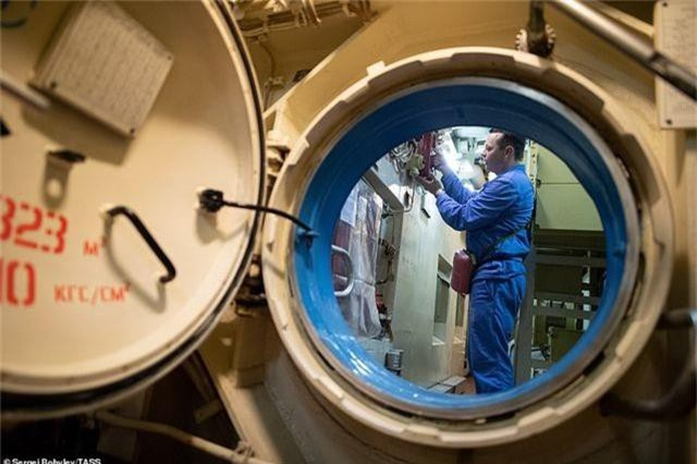 Cuộc sống nhà binh bên trong tàu ngầm lớn nhất thế giới của Nga - 4