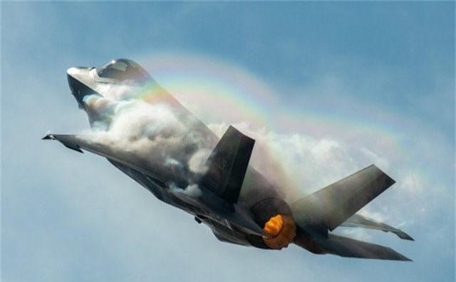 Ngo ngang thu nguoi My vua them vao may bay F-35-Hinh-2