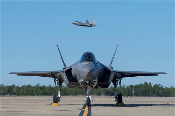 Ngo ngang thu nguoi My vua them vao may bay F-35-Hinh-7