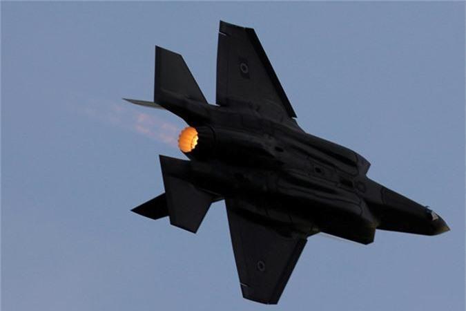 Ngo ngang thu nguoi My vua them vao may bay F-35-Hinh-8