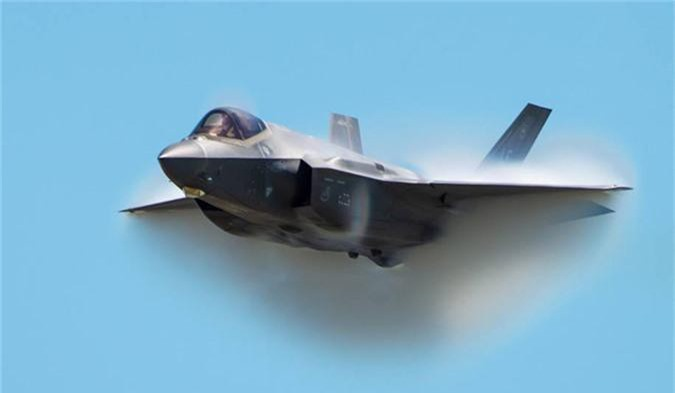 Ngo ngang thu nguoi My vua them vao may bay F-35-Hinh-9