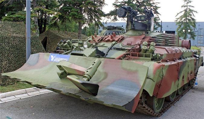 Xe thiết giáp lai VIU-55 được phát triển trên khung gầm T-55.