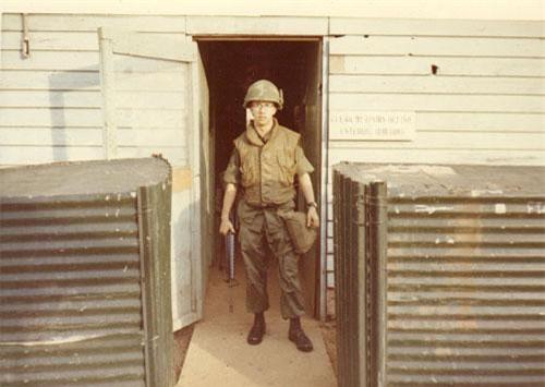 Loại áo giáp được quân đội Mỹ sử dụng trong Chiến tranh Việt Nam mang tên Flak jacket và được quân đội nước này sử dụng từ đầu cuộc chiến cho tới khi rút quân khỏi chiến trường này. Nguồn ảnh: Wiki.
