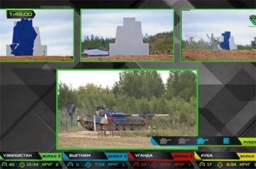 """Dẫu vậy, dù đạt được thành tích lớn, nhưng trong trận chung kết hôm 15/8, Đội tuyển xe tăng Việt Nam """"bất ngờ"""" bắn pháo kém hơn so với các trận bán kết và vòng loại. Ví dụ ở trận bán kết, ở 4 vòng đầu, chúng ta đạt được thành tích hạ 3/3 pháo, nhưng vào chiều 15/8 chúng ta thậm chí không hạ nổi một bia """"mục tiêu xe tăng"""" nào. Nguồn ảnh: Tzvezda"""