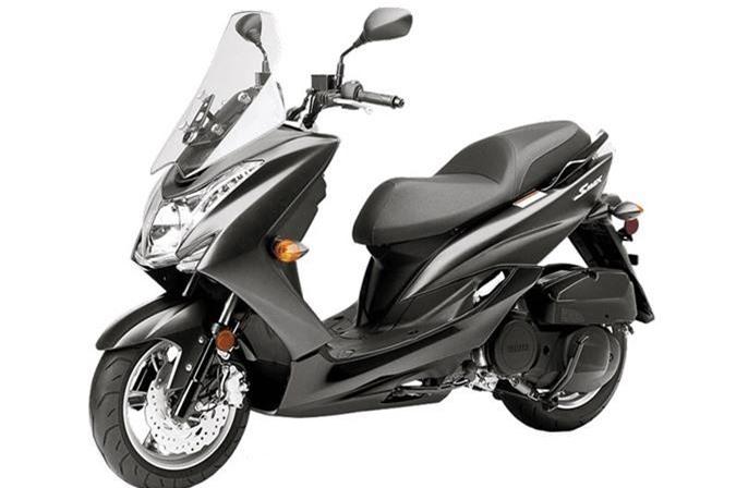 Chi tiet xe ga Yamaha 155cc, gia ngang Honda SH hinh anh 2